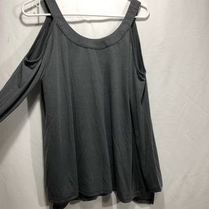 Sunnyme Gray Cold shoulder top size M